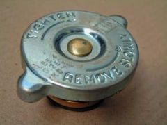 New Genuine Radiator Cap Ford 100E/107E Free UK delivery